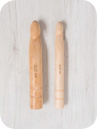 25.00 mm KNITPRO Jumbo Birch Crochet Hooks